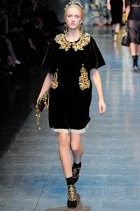 שמלה שחור זהב